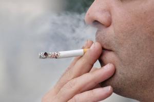 Табачный дым делает бактерии более устойчивыми