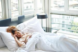 Как пережить жаркие летние ночи: 24 совета