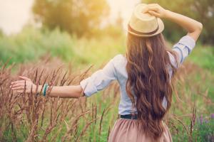 Восстановление поврежденных волос: делаем ломкие волосы снова здоровыми